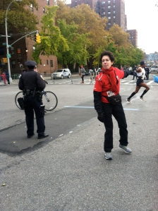 Meb Keflizighi running the 2013 NYC Marathon in Harlem