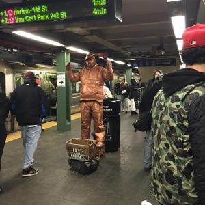 Golden statue http://runwright.net